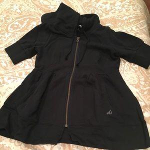Moosejaw short sleeve hooded sweatshirt